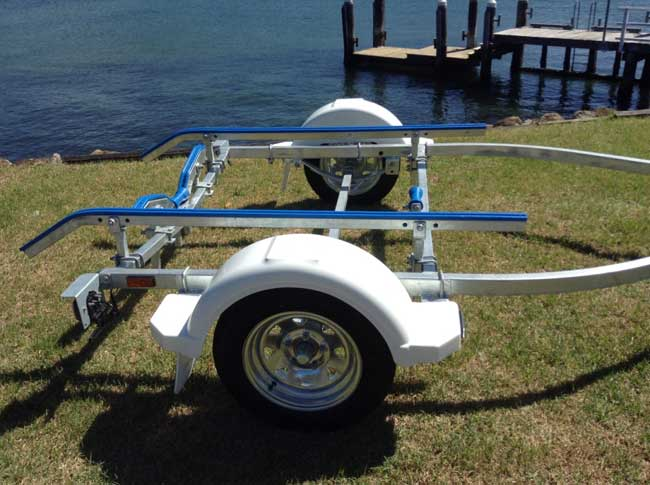 4.2M Boat trailer with NEW PLASTIC GUARDS
