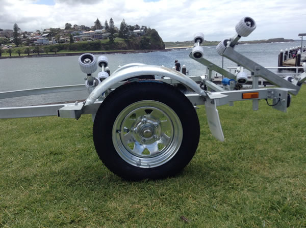 4.2M Rollered Boat trailer