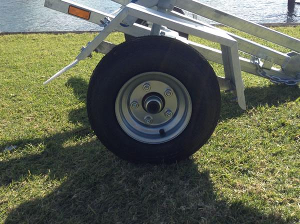 Folding boat trailer