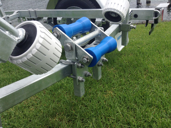 Rollered trailer for timber boats up to 3.75M