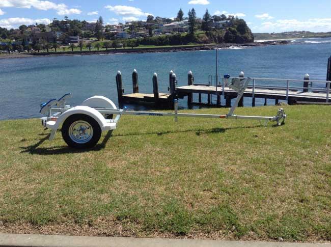 3.9M Boat trailer